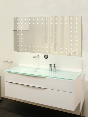 LED Illuminated Bathroom Mirror, (h)600 x (w)900mm IP44 Rated with On/Off Infra-Red Sensor, Demister Pad and Built-in 240v Shaver Socket