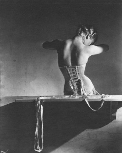 mainbocher-corset