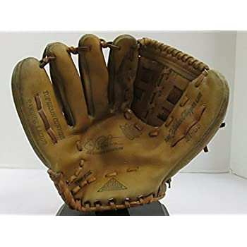"VINTAGE JOE PEPITONE SIGNATURE MODEL BASEBALL GLOVE FROM ""THE YANKEE CLIPPER LINE"" MODEL 3165 - GREAT FOR MANCAVE OR BASEBALL THEMED DECOR (FREE SHIPPING)"