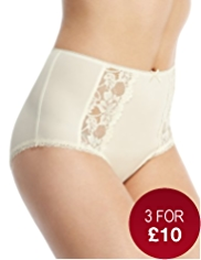 Front Panelled Floral Lace Full Briefs