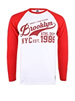 Varsity Team Players Camiseta Manga Larga Brooklyn Script (Blanco / Rojo)