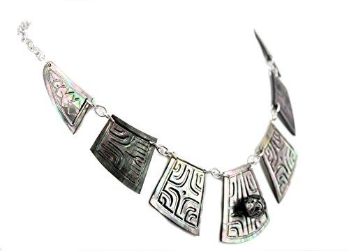 collier-hitu-afata-tatou-en-nacre-et-perle-gravee-de-tahitian-toa