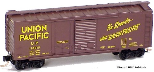 Micro Trains N 22030, 40' Standard Box Car, Plug and Sliding Door, Union Pacific UP#110015