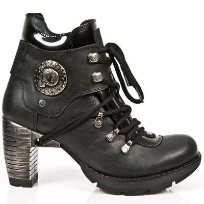 New Rock Trail Boots Women - Black - Euro 40 / UK 6.5