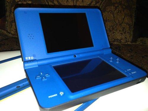 Amazon.com: Nintendo DSi XL - Midnight Blue: Nintendo Ds