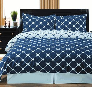 8Pc Bloomingdale Navy And White Queen Size Bed In A Bag Set Include: 3Pc Duvet Cover Set + 4Pc Sheet Set+ 1Pc Down Alternative Comforter front-1032191
