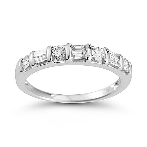 14k White Gold Diamond Anniversary Band (1/4 Cttw H-I Color, I1-I2 Clarity), Size 6