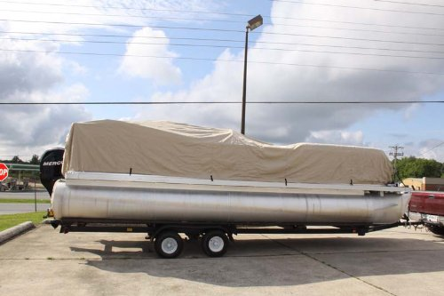 BRAND NEW VORTEX ULTRA PONTOON BOAT COVER, BEST AVAILABLE, TRI-PURPOSE, FOR STORAGE, MOORING, OR TRAILERING, HAS ELASTIC AND STRAPS FITS 17 18 19 20 FT LONG PLAYPEN AREA BEIGE/TAN