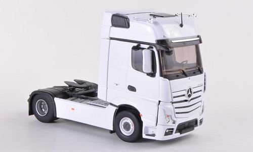Mercedes Actros MP4 Gigaspace,