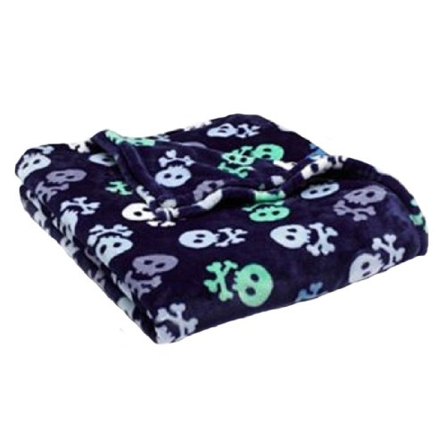The Big One® Skull Patterned Plush Oversized Throw front-498137