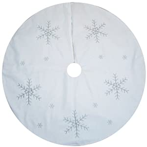 Large White Christmas Tree Skirt Decoration with Silver Snowflake Design - 100cm Amazon.co.uk ...