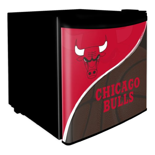 Nba Chicago Bulls 1.7 Cubic Feet Dorm Room Refrigerator front-489222