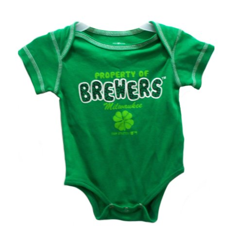 St Patricks Day Baby Outfit front-1054708