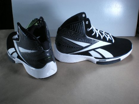 9b44768ea4fd Reebok Men s Tempo U Form Basketball Shoe Black White Silver 10 ...