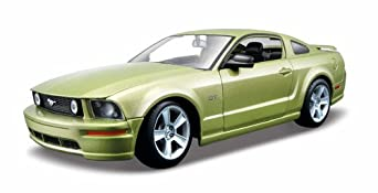 Maisto 1:24 AL 2006 Ford Mustang GT: Assembly Line Model Kit