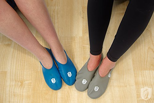 Jellyfeet, New Foot Covers for Protection, Moisturizing, Quick Airport Security Lines, BLUE, Medium (Security And Protection Quick compare prices)