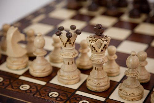 Ambassador Handmade Wooden Chess Set w/ 21 Inch Board and Detailed Chessmen 1