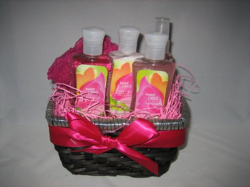 Bath & Body Works Sweet Pea Gift Basket - Small
