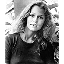 LAUREN HUTTON 11X14 B&W PHOTO