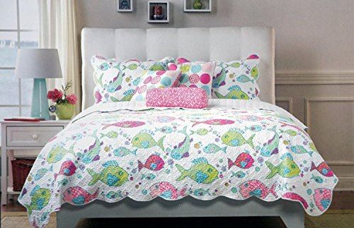 Cynthia Rowley 3 Piece Full / Queen Quilt and Shams in Green and Pink Fish on White