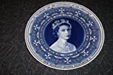 WEDGWOOD PLATE TO CELEBRATE THE 50TH ANNIVERSARY OF THE CORONATION HER MAJESTY QUEEN ELIZABETH II Commissioned for the Daily Mail. Collectors Plate. BLUE AND WHITE WEDGWOOD COLLECTORS PLATE.