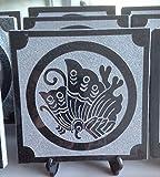御影石の家紋プレート (丸に揚羽蝶)