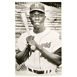 MLB Milwaukee Braves Hank Aaron Black and White 8x10 Photo