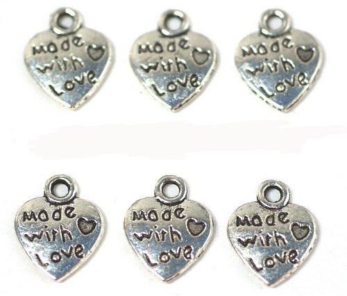 """Just Say Beads - Confezione da 25 ciondoli a forma di cuore, motivo: """"Made With Love"""", utilizzo universale per gioielleria, cartoline e album di ritagli"""