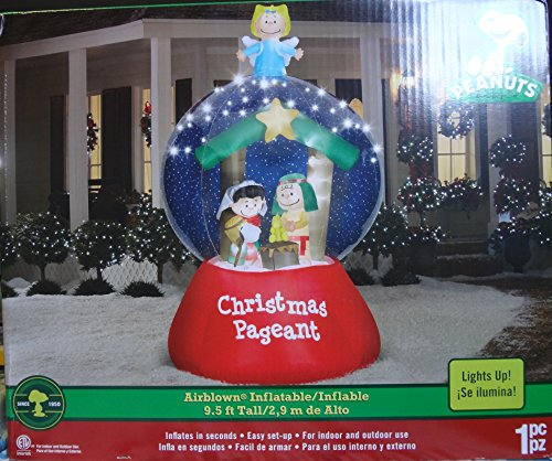 Peanuts Christmas Airblown Inflatable 9.5 Ft Tall/2.9 M