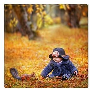 Startonight nachtleuchtendes Leinwandbild Mädchen im Herbstpark 40 cm x 40 cm