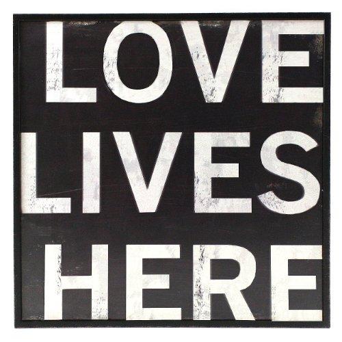 Fetco Home Decor Stefan Love Lives Here Wall Art