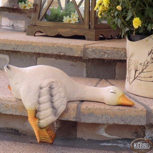 goose-regalgans-garden-garden-ornament-sitting