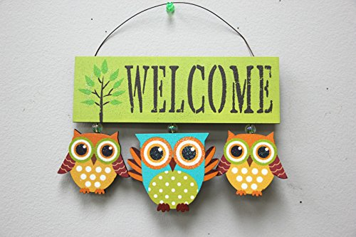 Attraction Design Wood Owls Welcome Sign (GREEN)