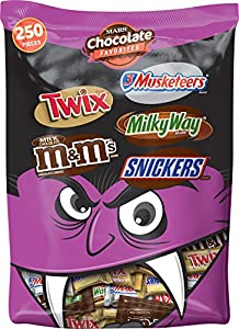 Mars Chocolate Halloween Candy Variety Mix (Twix, M&M's, 3 Musketeers, Milky Way, and Snickers), 250 Pieces