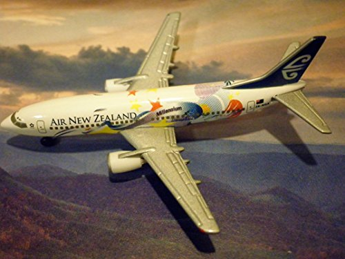 air-new-zealand-millenium-star-alliance-logo-edition-boeing-737-301-limited-edition-jet-made-by-herp