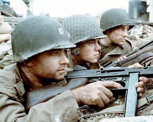 Moviestore-Edward-Burns-als-Pvt-Richard-Reiben-unt-Matt-Damon-als-Pvt-James-Francis-Ryan-in-Saving-Private-Ryan-25x20cm-Farbfoto