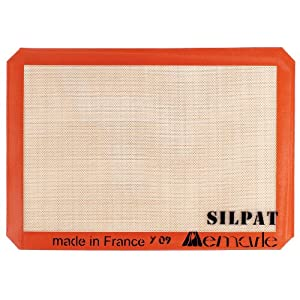 Silpat Non-Stick 14 3/8 x 9 1/2 Jelly Roll Mat, Medium