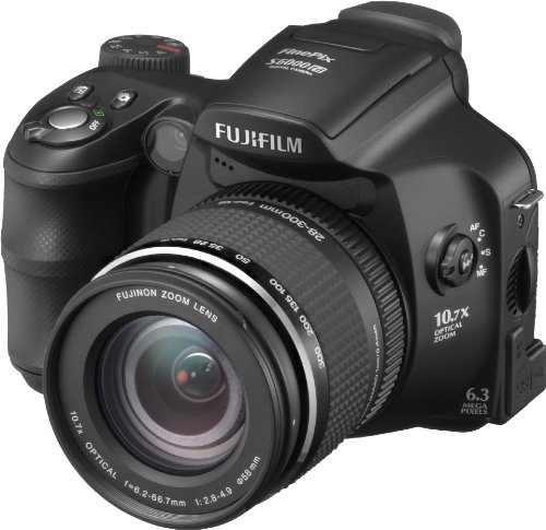 Compacts et bridges desember 2013 for Fujifilm finepix s2000hd prix neuf