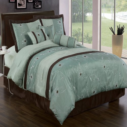 Grand Park Aqua-Blue Queen size Luxury 7 piece Bed-in-a-Bag inlcuding Comforter, skirt, Throw Pillows, Pillow Shams by Royal Hotel