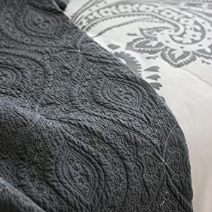 Amazon Com Amy Butler Bucharest Quilted Coverlet Charcoal