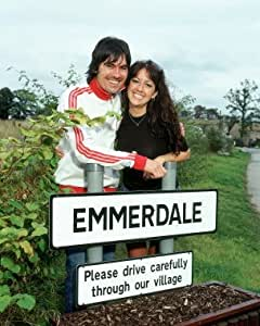 Jeff hordley as cain dingle sheree murphy as tricia for Wallpaper emmerdale home farm