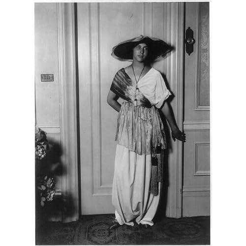 Amazon.com: Photo: Mme Paul Poiret, Denise Boulet, 1913, modeling clothing 2: Prints: Photographs