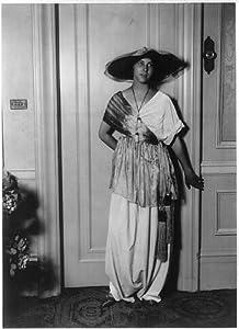 Photo: Mme Paul Poiret,Denise Boulet,1913,modeling clothing 2