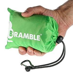 Manta portátil impermeable para picnic Bramble. Cabe en tu bolsillo - Incluye bolsa para viajar. - Verde