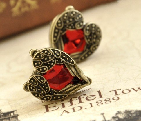 Lingstar(TM) Retro Bronze Red Heart Earrings