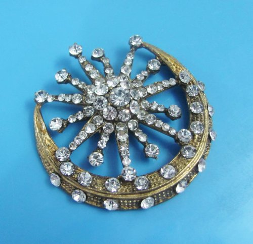 1Pc Elegant Charming Rhinestone Moon Shape Gold Brooch