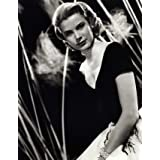 Grace Kelly in dress designed by Edith Head (V&A Custom Print)