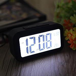 Andoer LED sveglia digitale snooze di ripetizione Lightattivato sensore Backlight Time la visualizzazione della temperatura e la data Nero  Sport e tempo libero recensione Voto