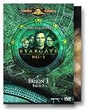 echange, troc Stargate SG1 - Saison 3 (Vol.11,12,13) Episodes 13 à 24 : Les Flammes de l'Enfer / Invasion / Simulation / Un étrange compagn
