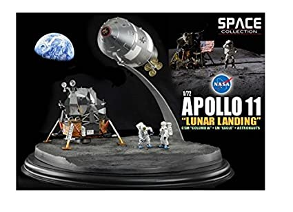 Diorama Apollo 11 Atterrissage sur la Lune avec le Module de Commande et de Service CSM Columbia avec Module Lunaire LEM Eagle et Astronautes